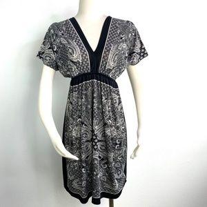 JUST LOVE Paisley Pattern Stretchy V-neck Dress